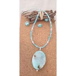 Collier bleu en perles d'Amazonite.