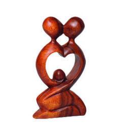 Statuette en bois couple Coeur